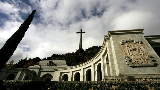 gobierno-quiere-exhumar-restos-franco-valle-caidos-1_mg.jpg