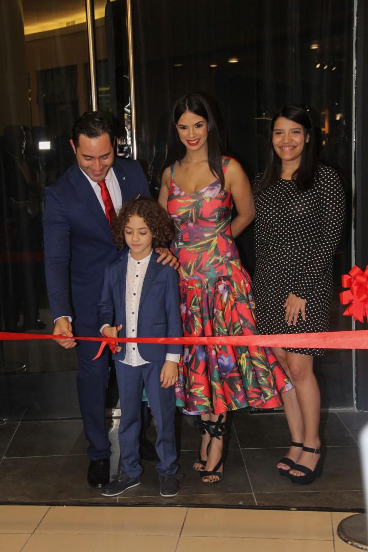 Corte de Cinta - Raeldo López, Cristal de Moya, Luisa Ruiz y Gael López Moya