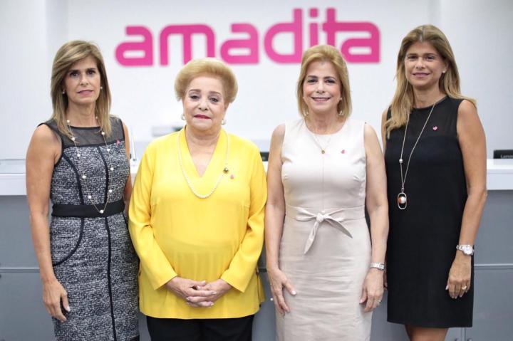 PRINCIPAL Jackeline González, Amada González de Pittaluga, Patricia González y Pilar González