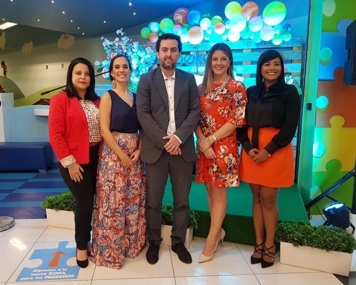 A.PRINCIPAL. Yexenia Jimenez, Laura Cantero, Manuel Garcia, Patricia Ramela y Carolina Fernandez.jpg